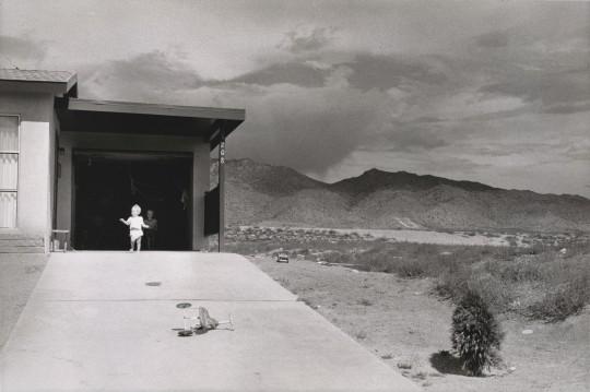 20_sfmoma_Winogrand_Albuquerque_1957